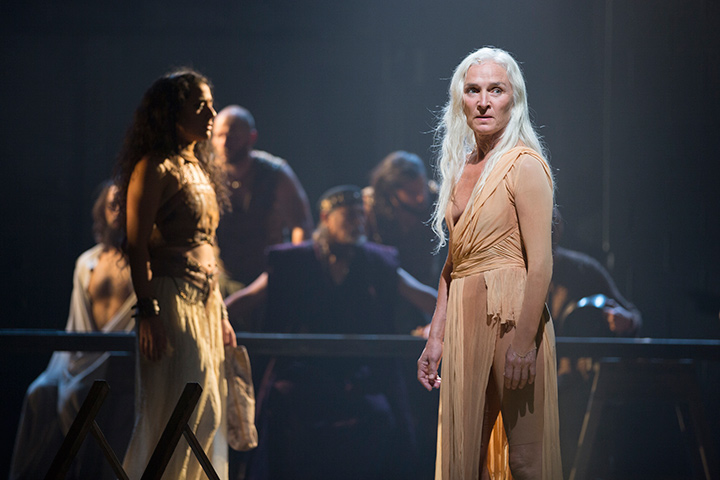 Olwen Fouéré as Nameless Woman in Solmé.