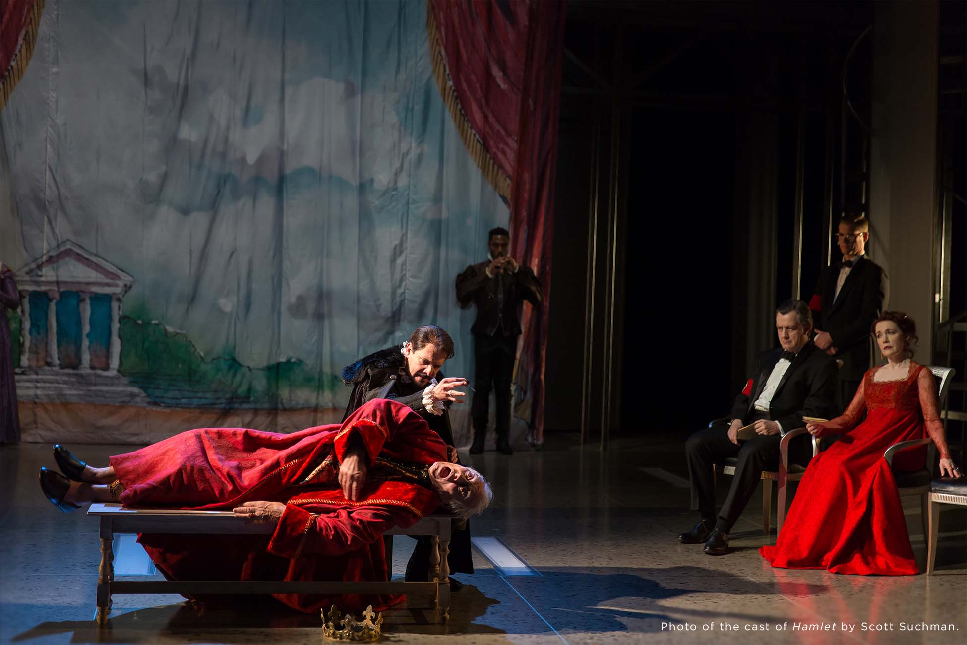 Photo of the cast of Hamlet by Scott Suchman.